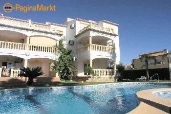 Appartement gelegen in tuin met zwembad in Denia