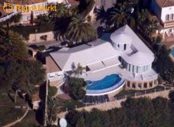 Super luxe moderne villa met indrukwekkend zwembad