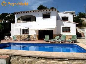 Ruime villa met gasten verblijf en privé zwembad i