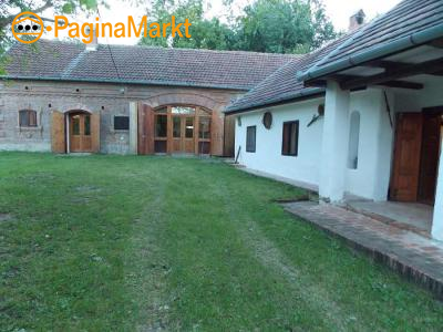 Traditionele boerderij met feestzaal/herberg.