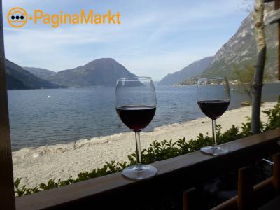Chalets aan het meer van Lugano, Italie