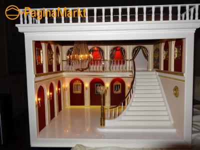 Poppenhuis paleishal for Poppenhuis te koop