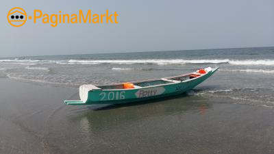 Traditioneel handgemaakte vissersboot 1 jr. oud