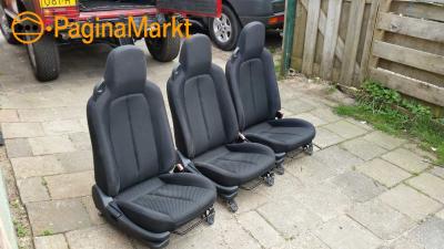 Drie autostoelen