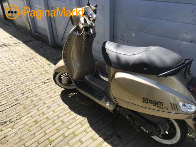 AGM VX50s snorscooter