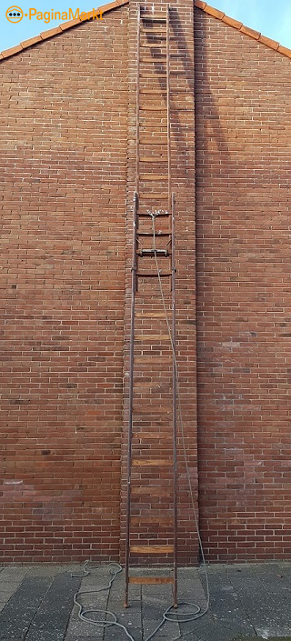 Houten optrekladder met touw 2x16 treden